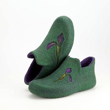 """Обувь ручной работы. Ярмарка Мастеров - ручная работа Валяные тапочки """"Ирис фиолетовый"""". Handmade."""