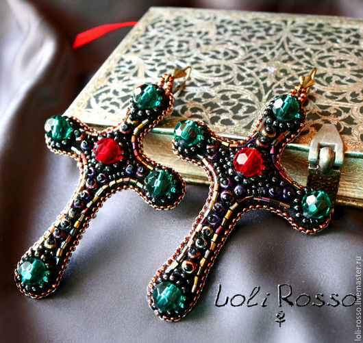 Livemaster.ru Handmade beadwork cross earrings by Loli Rosso. Ручная работа. `Серьги Морриган`, вышивка бисером по коже.