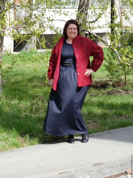 """Верхняя одежда ручной работы. Ярмарка Мастеров - ручная работа. Купить Куртка валяная """"Ягодный коктейль"""". Handmade. Бордовый, большой размер"""