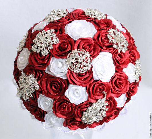 """Свадебные цветы ручной работы. Ярмарка Мастеров - ручная работа. Купить Брошь-букет из роз """"Кокетка"""" + бутоньерка в подарок. Handmade."""