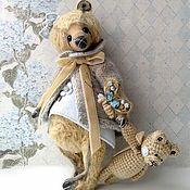 Мишки Тедди ручной работы. Ярмарка Мастеров - ручная работа Ивонн 23 см, игрушка, брошка, одежда. Handmade.