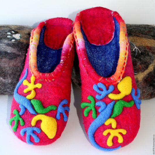 """Обувь ручной работы. Ярмарка Мастеров - ручная работа. Купить Валяные тапочки """"Яркие ящерицы"""". Handmade. Теплый подарок"""