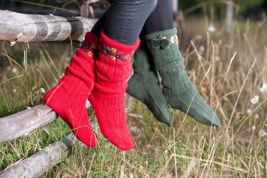 Sirogojno Style вязаные носочки  с помпончиками из 100% исландской овечьей  шерсти