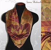 Аксессуары ручной работы. Ярмарка Мастеров - ручная работа Шелковый шейный платок  - цветы на золотом, батик, ручная роспись. Handmade.