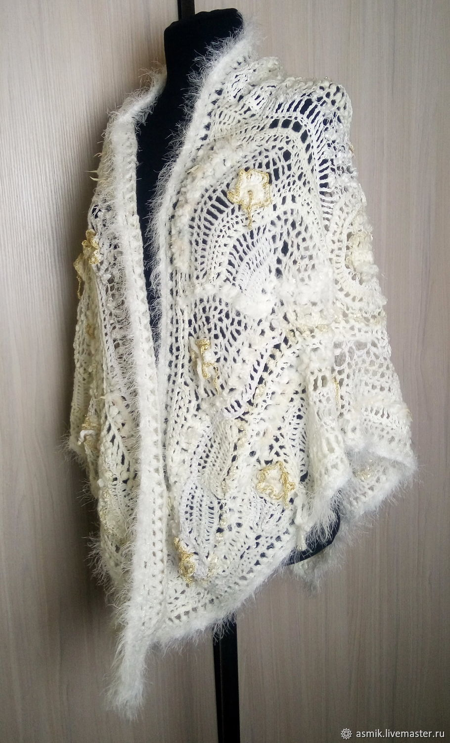 Shawl crocheted ' Flowers in the snow '. author's free forms, Shawls, Moscow,  Фото №1