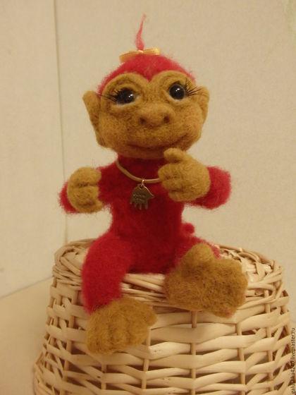 Куклы и игрушки ручной работы. Ярмарка Мастеров - ручная работа. Купить Огненная малышка(обезьянка- сухое валяние). Handmade. Ярко-красный