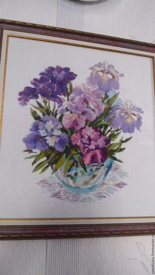 Картины цветов ручной работы. Ярмарка Мастеров - ручная работа. Купить Ирисы в вазе. Handmade. Тёмно-фиолетовый, вышивка