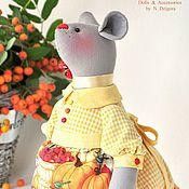 Куклы и игрушки ручной работы. Ярмарка Мастеров - ручная работа Мышка Августа, текстильная игрушка мышка в подарок. Handmade.