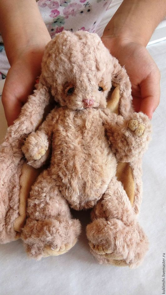 Зайка тедди `Сонное счасть` от  мастерской `Куклы-мишки` Ольги Рыжовой принесет радость и счастье Вам и Вашим близким. Мишки и зайцы выполнены вручную по индивидуальной выкройке тедди.