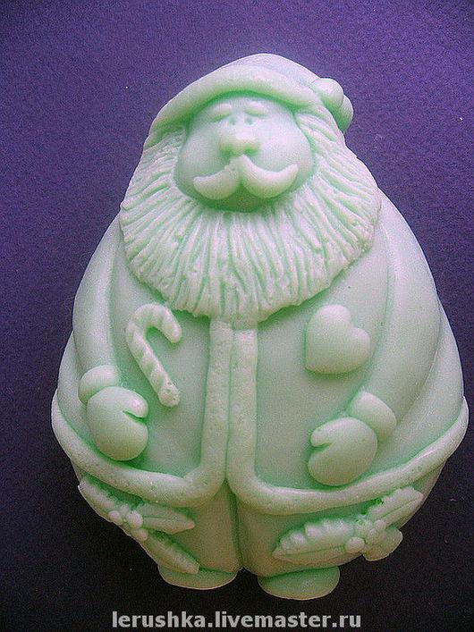 """Мыло ручной работы. Ярмарка Мастеров - ручная работа. Купить Сувенирное мыльце """"Веселый и добрый Санта"""".. Handmade. Масло"""