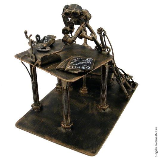 Миниатюрные модели ручной работы. Ярмарка Мастеров - ручная работа. Купить Директор. Handmade. Скульптурная миниатюра, подарок для врача, гайкаглазые