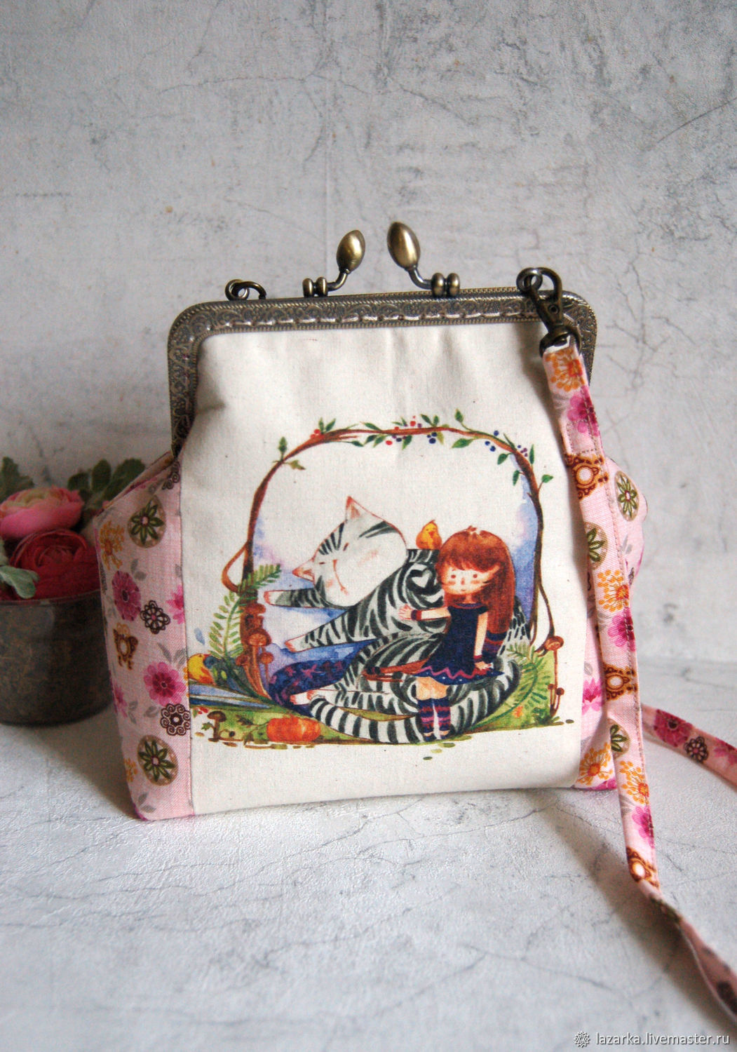 Children's handbag with clasp ' in the arms of a cat', Bags for children, Vladimir,  Фото №1
