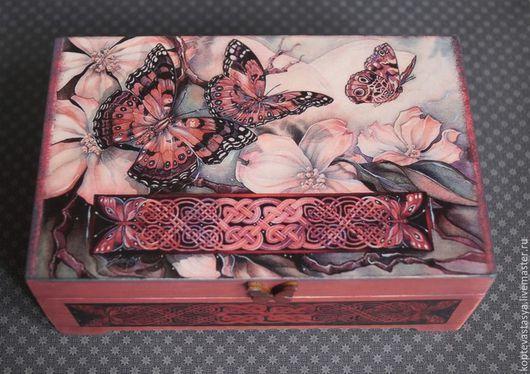 """Шкатулки ручной работы. Ярмарка Мастеров - ручная работа. Купить Шкатулка для карт Таро  """"J"""". Handmade. Бордовый, цветы, casual"""