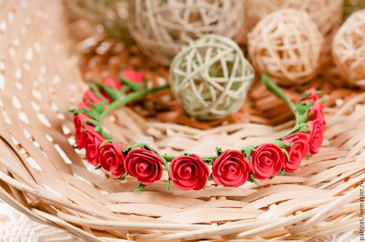 Диадемы, обручи ручной работы. Ярмарка Мастеров - ручная работа. Купить Ободок из Красных роз на металлической основе. Handmade. веночек