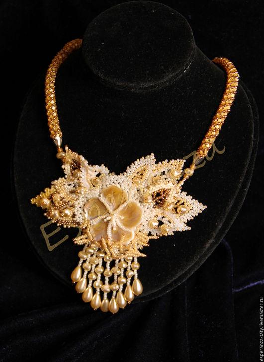 """Колье, бусы ручной работы. Ярмарка Мастеров - ручная работа. Купить Ожерелье """"Магнолия"""". Handmade. Золотой, украшения ручной работы"""