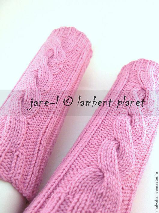 Вязаные детские гетры с косами. Могут быть выполнены в любой желаемой расцветке. Под цвет слинга или одежды.