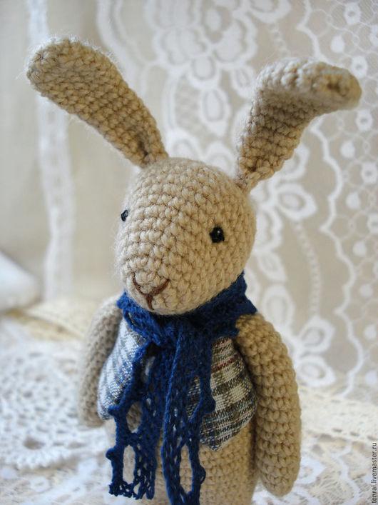 Игрушки животные, ручной работы. Ярмарка Мастеров - ручная работа. Купить Вязаная крючком игрушка Заяц с синим шарфом. Handmade.