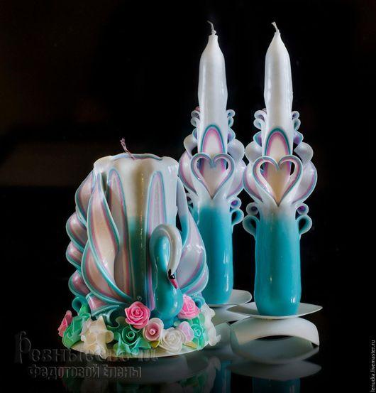 Резные свадебные свечи ручной работы.Резные свечи. Домашний очаг. Комплект свадебных свечей Лебедь выполнен в цветовом сочетании Шебби шик. Свечи резные свадебные. Свадебные резные свечи.