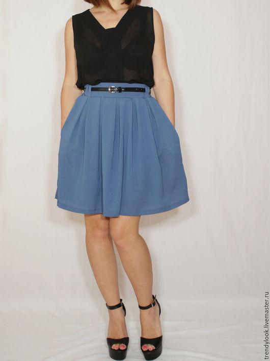 Юбки ручной работы. Ярмарка Мастеров - ручная работа. Купить Синяя юбка с карманами, короткая юбка в складку. Handmade. Однотонный
