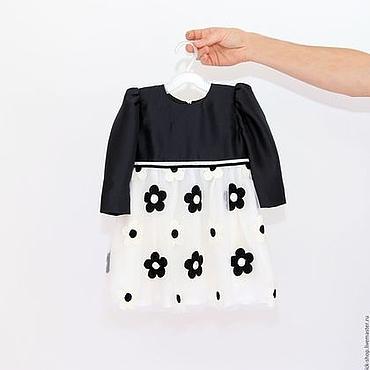 Работы для детей, ручной работы. Ярмарка Мастеров - ручная работа Черно-белое нарядное платье для девочки из шелка и сетки с вышивкой. Handmade.