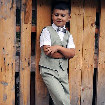 Работы для детей, ручной работы. Ярмарка Мастеров - ручная работа Нарядный светло-зеленый костюм для мальчика: жилет и брюки. Handmade.