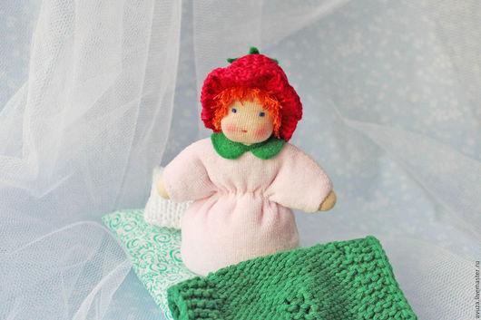 """Вальдорфская игрушка ручной работы. Ярмарка Мастеров - ручная работа. Купить Вальдорфская кукла-малышка """"Малинка"""" 12 см. Handmade."""