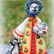 """Сувениры и подарки ручной работы. Ярмарка Мастеров - ручная работа Колокольчик фарфоровый """"Мама Ежиха"""". Handmade."""