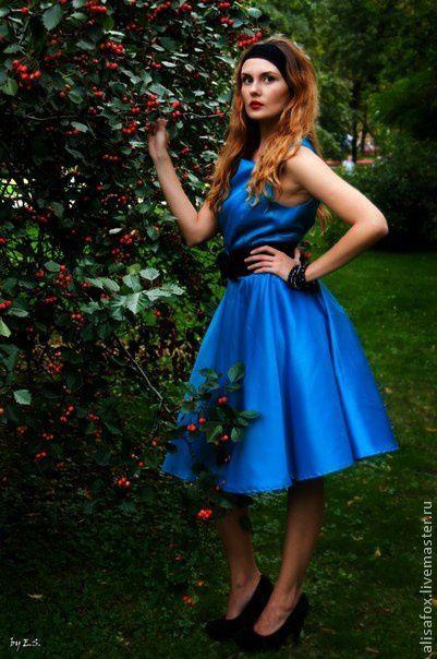 Платье стиляги в стиле 50-60 г  платье в стиле ретро купить онлайн  Атласное с пышным подьюбником . Сзади на молнии. Лиф на подкладке  Почтовая и курьерская доставка, примерка