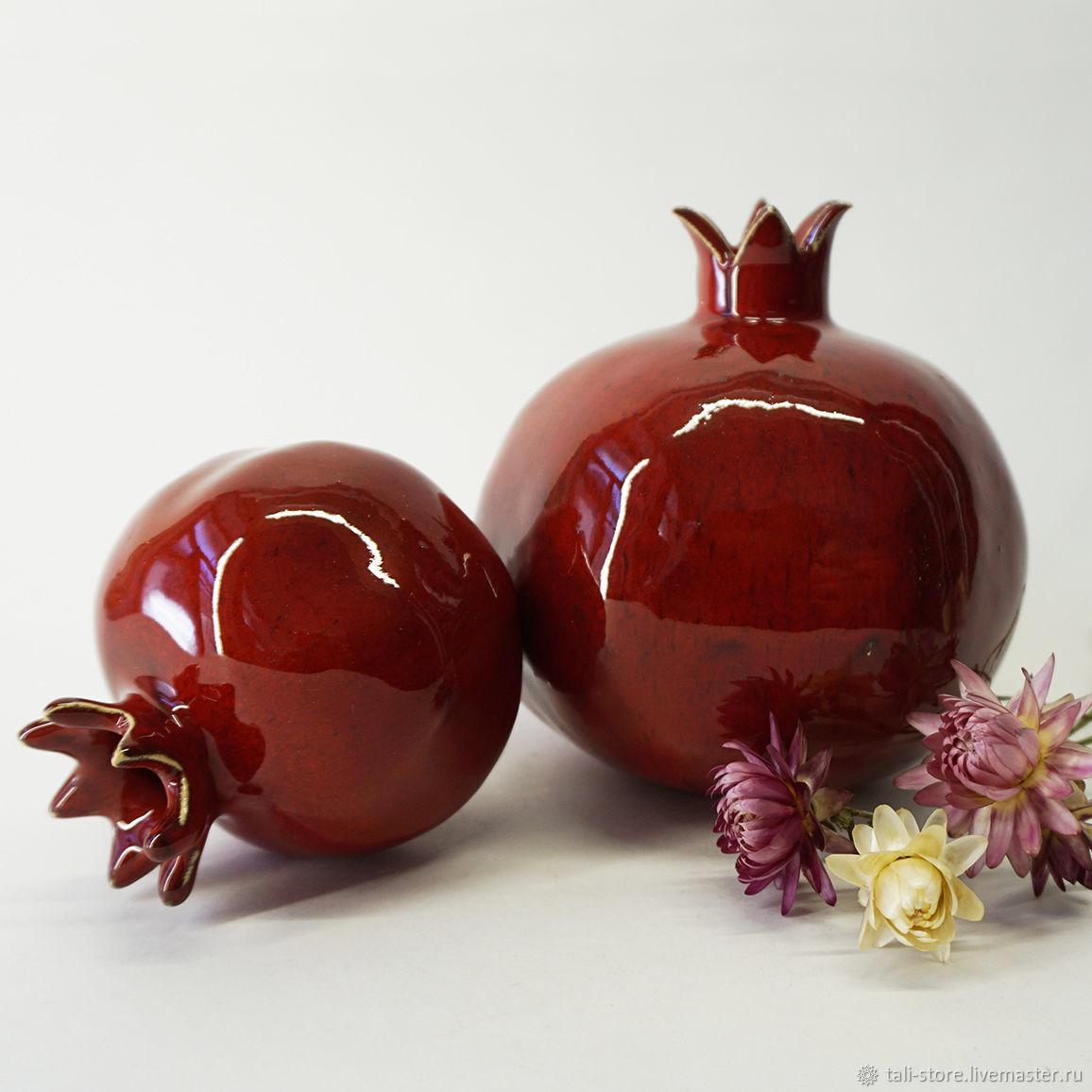 Керамическая ваза-гранат