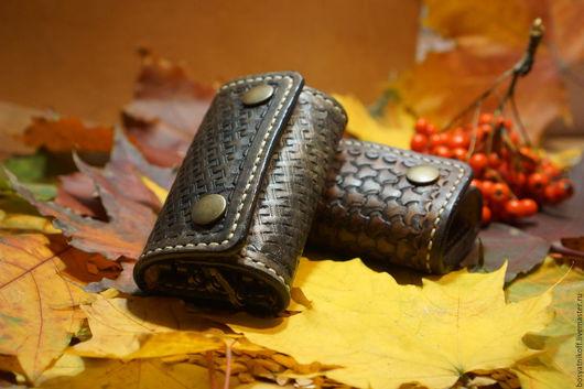 Кошельки и визитницы ручной работы. Ярмарка Мастеров - ручная работа. Купить Ключница на 6 ключей из натуральной итальянской кожи ручной работы. Handmade.
