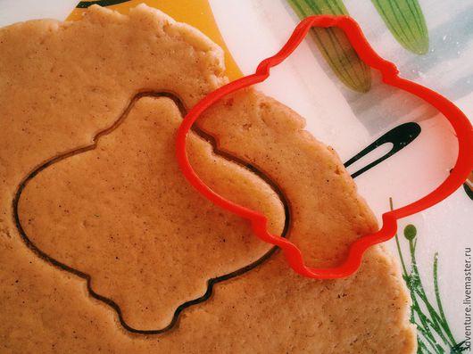 Кухня ручной работы. Ярмарка Мастеров - ручная работа. Купить Форма для пряников и печенья Елочная игрушка. Handmade. Разноцветный
