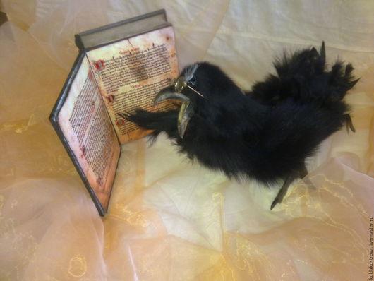 ворон с книгой-книга продается отдельно(старинная шкатулка)