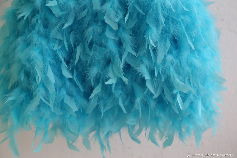 Нарядное платье для девочки с юбкой из перьев