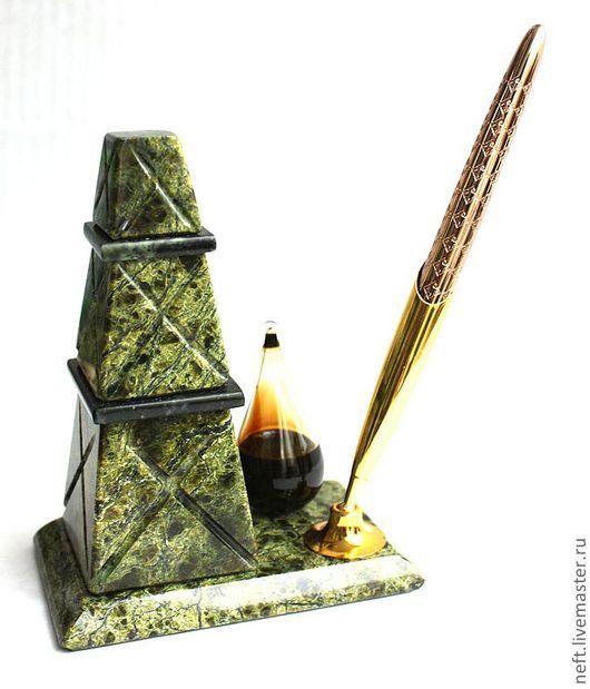 Подарки для мужчин, ручной работы. Ярмарка Мастеров - ручная работа. Купить Буровая вышка. Handmade. Подарок, геолог, зеленый, камень