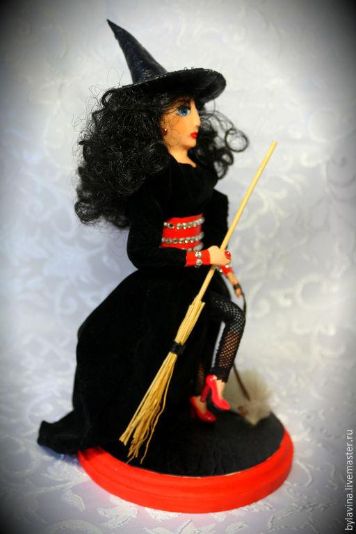 """Сказочные персонажи ручной работы. Ярмарка Мастеров - ручная работа. Купить Авторская кукла """"Ведьмочка с собачкой"""". Handmade. Разноцветный, метла"""