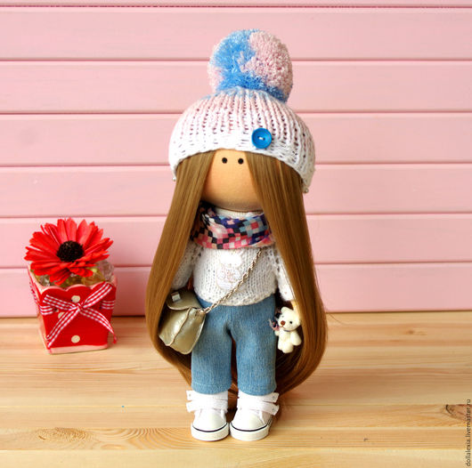 Вот такая чудесная девочка. )) Вся одежда и обувь снимается.  Кукла интерьерная текстильная тыквоголовка Вита