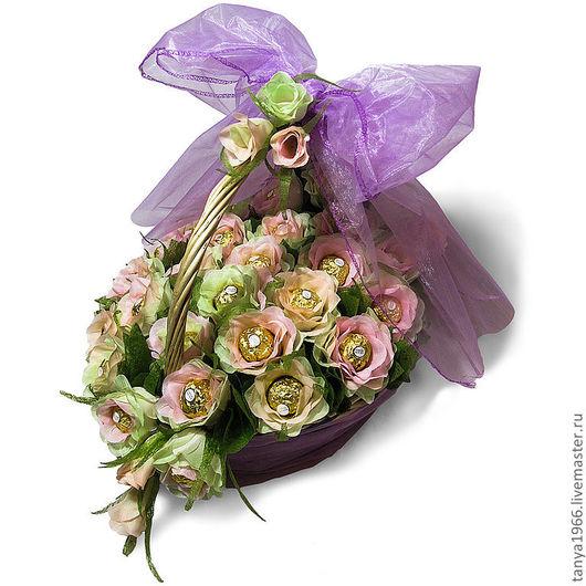 Букеты ручной работы. Ярмарка Мастеров - ручная работа. Купить Корзина с розами роскошная. Handmade. Бледно-розовый, букет из конфет