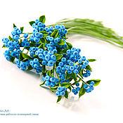 Цветы и флористика ручной работы. Ярмарка Мастеров - ручная работа Голубые ягоды из полимерной глины. Handmade.