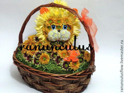 Букеты ручной работы. Ярмарка Мастеров - ручная работа. Купить Лев из цветов в корзинке. Handmade. Комбинированный, игрушка из цветов, лева