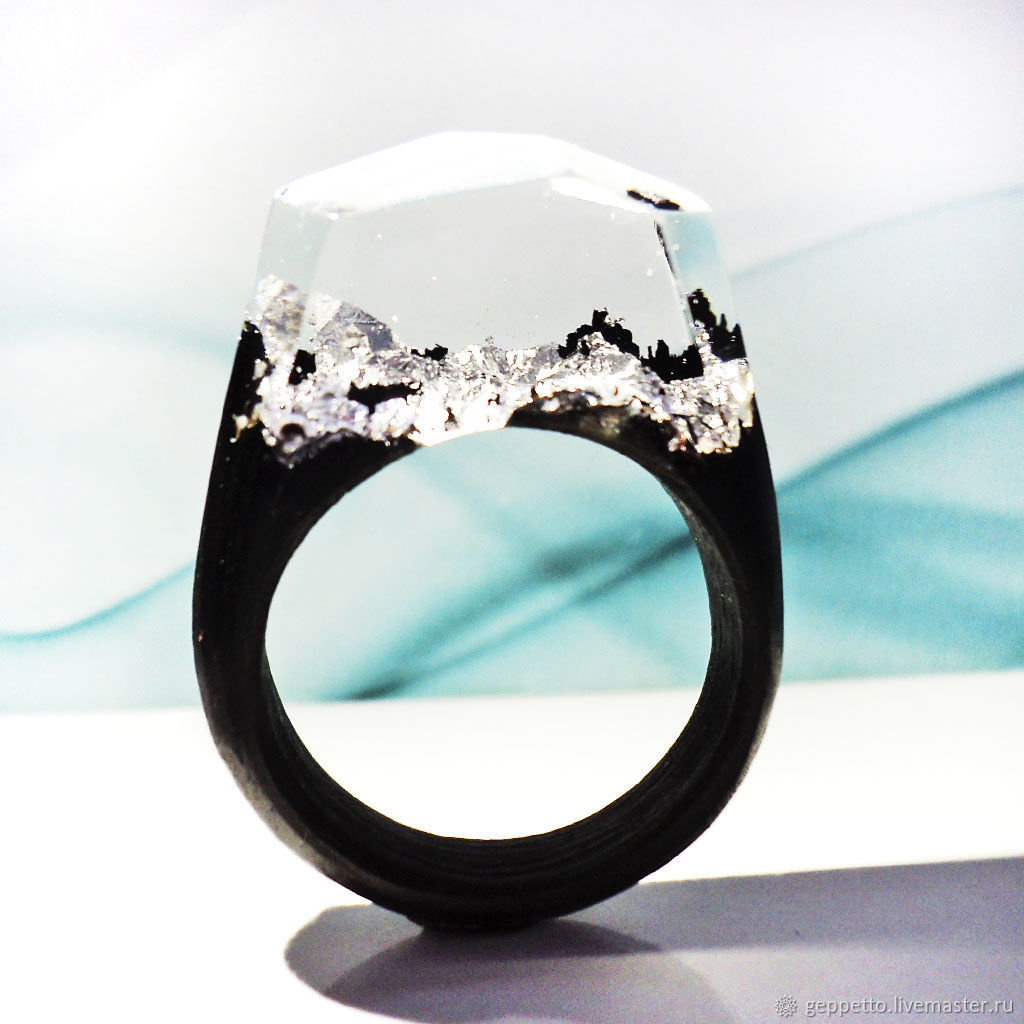 Wooden ring \