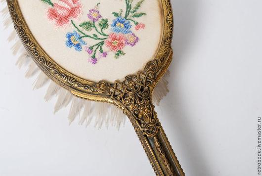 Винтажная одежда и аксессуары. Ярмарка Мастеров - ручная работа. Купить Старинная щетка для волос, антиквариат филикрань, вышивка крестиком. Handmade.