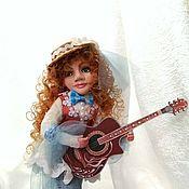 Куклы и игрушки ручной работы. Ярмарка Мастеров - ручная работа Девушка с гитарой. Handmade.