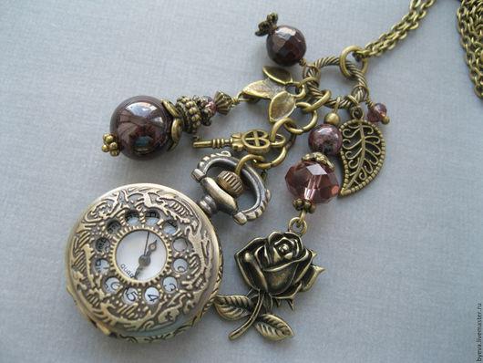Часы ручной работы. Ярмарка Мастеров - ручная работа. Купить Часы кулон натуральный гранат и роза.. Handmade. Часы