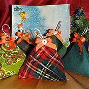 """Куклы и игрушки ручной работы. Ярмарка Мастеров - ручная работа Сенсорные мешочки Монтессори """"Новогодние елочки"""". Handmade."""