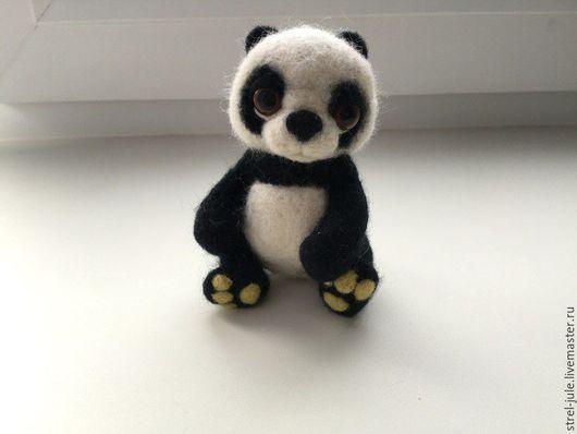 Игрушки животные, ручной работы. Ярмарка Мастеров - ручная работа. Купить Мишка панда. Валяная игрушка из шерсти. Handmade. Черный