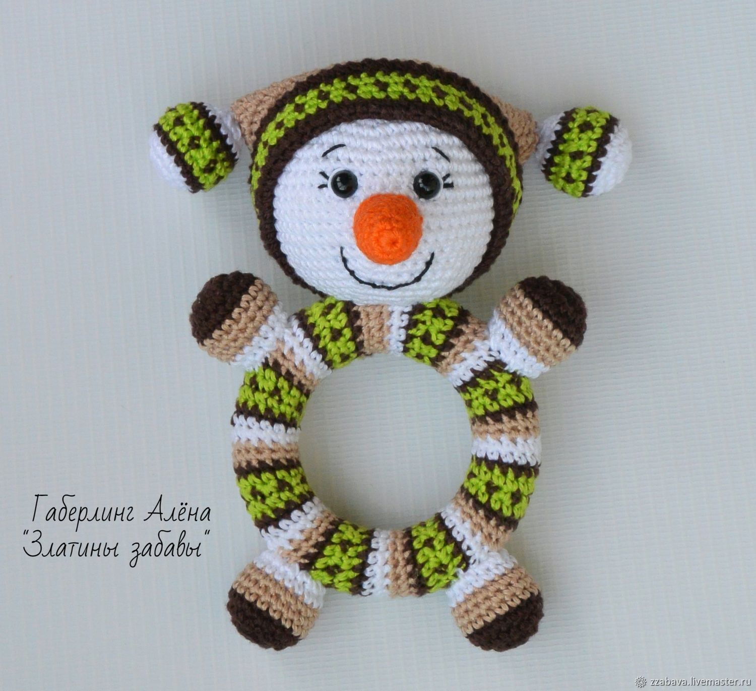 Snowman Round green-knitted rattle on a wooden ring, Teethers rattles, Tomsk,  Фото №1