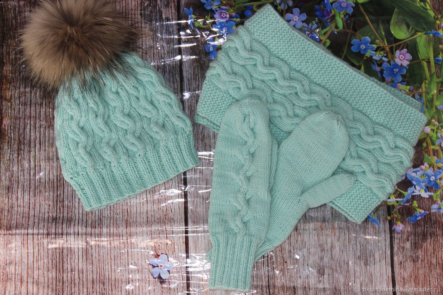 Hat, two-turn Snood and mint-colored mittens, Headwear Sets, Stupino,  Фото №1
