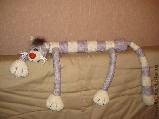 Игрушки животные, ручной работы. Ярмарка Мастеров - ручная работа. Купить Большой вязаный полосатый кот. Handmade. Прикольный подарок