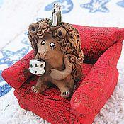 """Куклы и игрушки ручной работы. Ярмарка Мастеров - ручная работа Фигурка """"Ежик пьет чай"""". Handmade."""