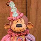 Куклы и игрушки ручной работы. Ярмарка Мастеров - ручная работа Обезьянка  клоунесса. Handmade.